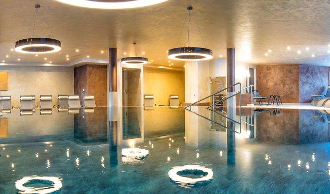 Indoor Schwimming Pool
